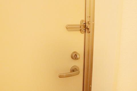 2Fのドア内側